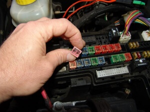 DSC01291 300x225?resize=300%2C225 sparky's answers 2001 dodge durango, asd relay fuse blows 30 Amp Automotive Fuse at bayanpartner.co