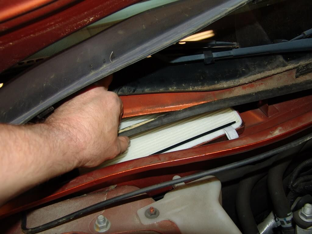 Sparky's Answers - 2004 Pontiac Grand Prix, Changing The Cabin Air Filter