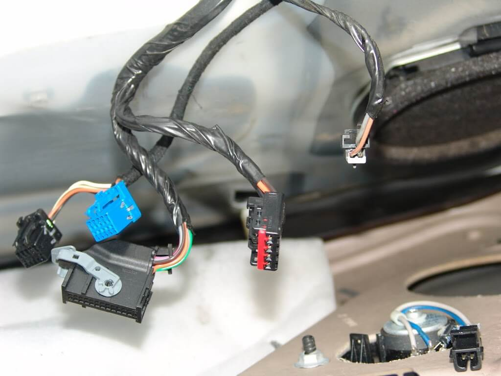 Sparkys Answers 2006 Gmc Sierra Changing The Drivers Outside Mirror How Power Window Switch Works Largest Connector Is Probably Most Difficult If You Do Not Know Locking Mechanism While Attached To Actually