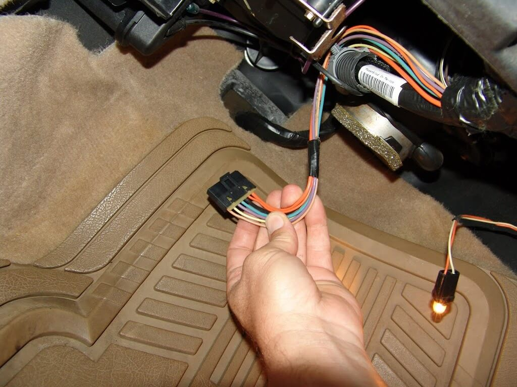 Now Using A 55 Mm Socket And Ratchet, Remove The Leading Screw From The Blower  Resistor As Shown Below