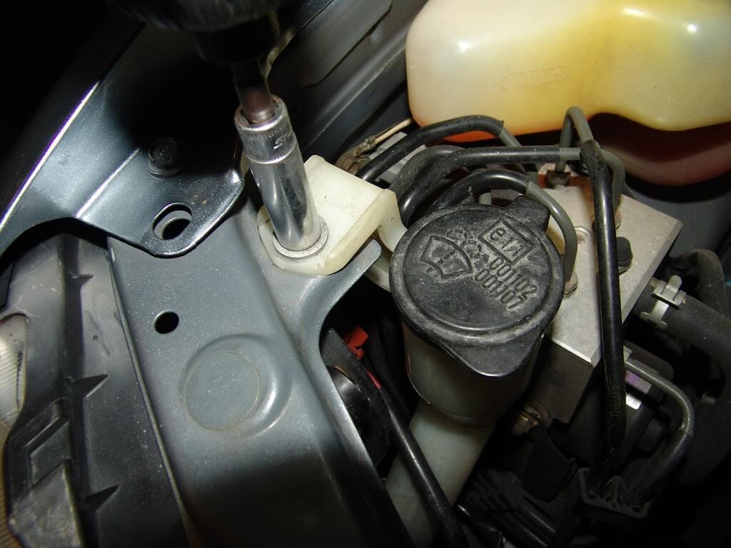 2002 lexus rx300 headlight removal