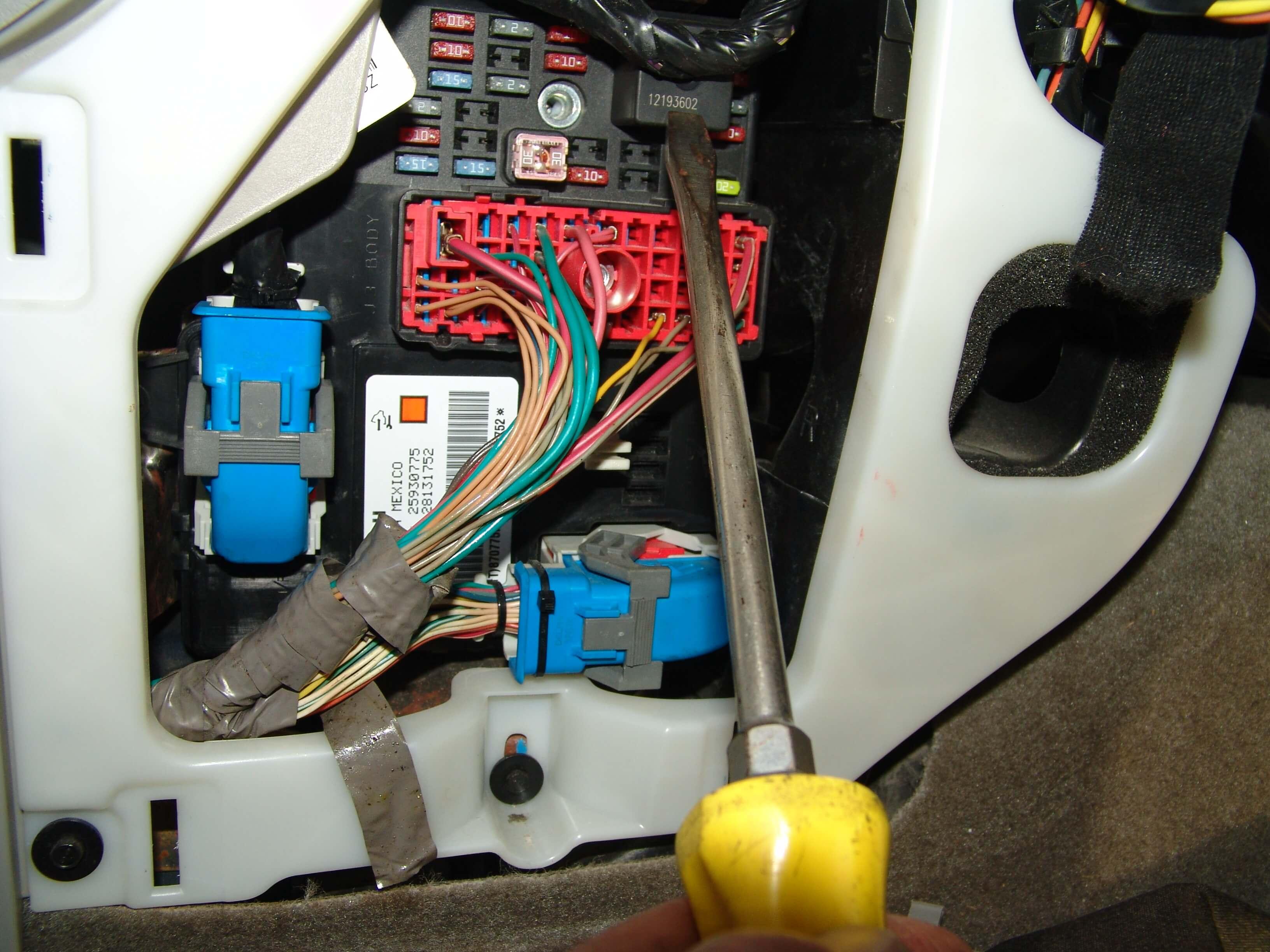 2006 chevy cobalt ls radio wiring diagram 6 way trailer connector fuse box colorado