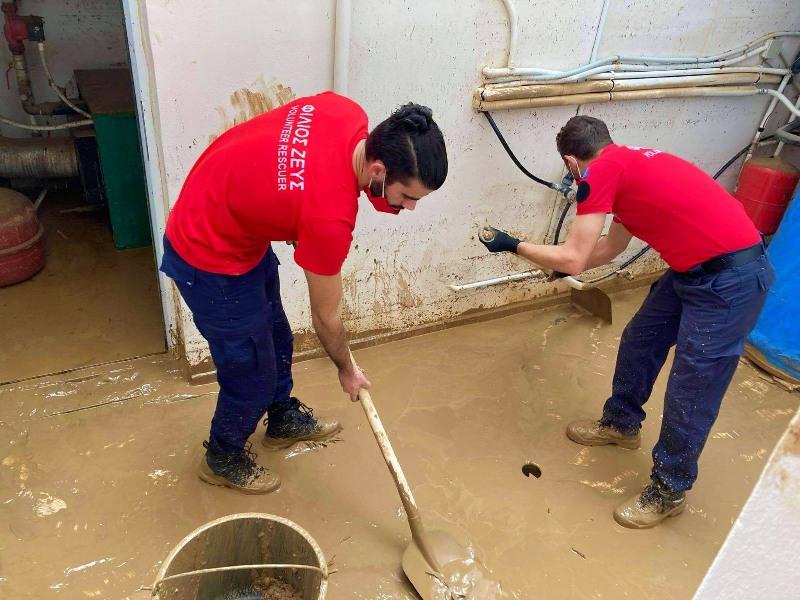 Κοντά στους πλημμυροπαθείς ο «Φίλιος Ζευς»