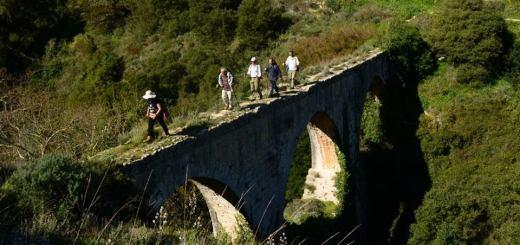 Πεζοπορία Αρχάνες - αρχαιότητες στο Φουρνί - Κνωσανό φαράγγι