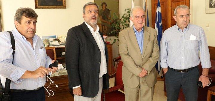 Με τον υπουργό επικρατείας ο δήμαρχος Ηρακλείου
