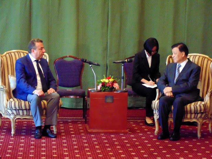ενδυνάμωση οικονομικής συνεργασίας με Κίνα
