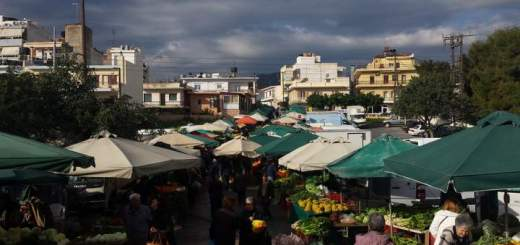 Πρωινές εικόνες στη λαϊκή αγορά