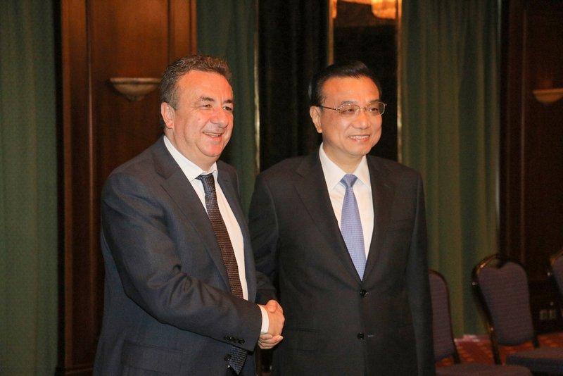 ο περιφερειάρχης Κρήτης με τον Κινέζο πρωθυπουργό