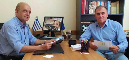 επίσκεψη του Δημάρχου Ιεράπετρας κ. Καλαντζάκη στο Εργατουπαλληλικό Κέντρο Λασιθίου