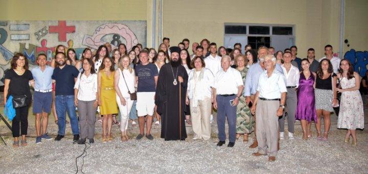 αποχαιρετισμός των καθηγητών του ΓΕΛ Νεάπολης στη Δ/ντρια Μαρία Κωστάκη