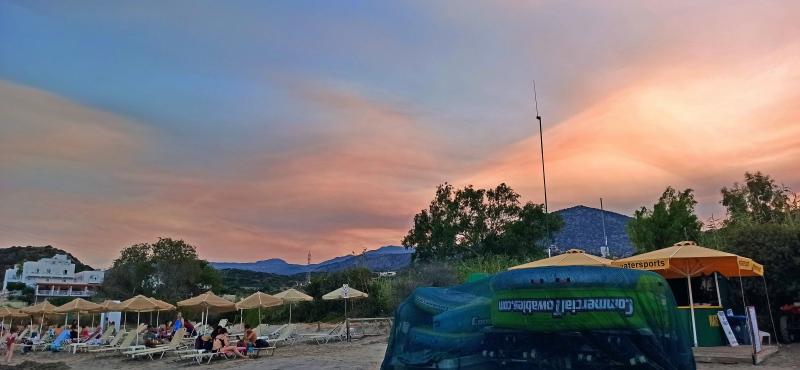 Όταν οι καπνοί από τις φωτιές φτάνουν στη Κρήτη.....