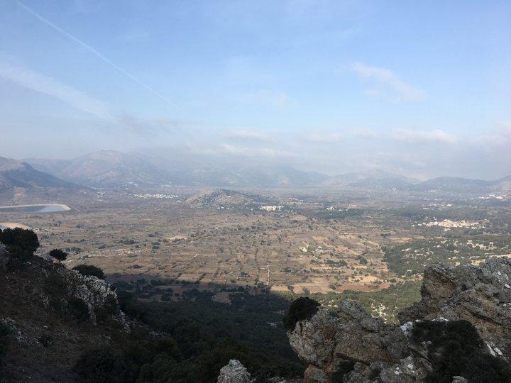 πεζοπορία  από Μέσα Λασήθι, πηγές Αλόιδας