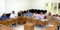 ο δήμαρχος και τα μέλη της επιτροπής