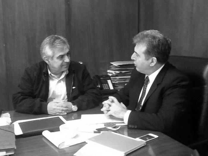ο Μιχάλης Καρχιμάκης με τον υπουργό υποδομων και δικτύων κ. Μιχ. Χρυσοχοΐδη