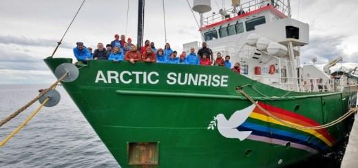 Το εμβληματικό πλοίο της Greenpeace, Arctic Sunrise, ξεκινάει έρευνα πεδίου για τα κητώδη της Ελληνικής Τάφρου