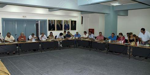 Δημοτικό Συμβούλιο Αγίου Νικολάου, θα 'πρεπε να 'ναι ο ναός της Δημοκρατίας