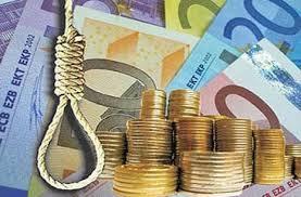 Η συρρίκνωση του εισοδήματος και κατ' επέκταση το μαράζωμα της οικονομικής δραστηριότητας έχει οδηγήσει στην απελπισία την ελληνική κοινωνία, που αδυνατεί να εξοικονομήσει τα προς το ζείν