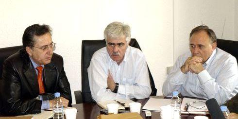 στη ΤΕΔΚ Λασιθίου, από αριστερά, Νομάρχης, Περιφερειάρχης, πρόεδρος ΤΕΔΚ