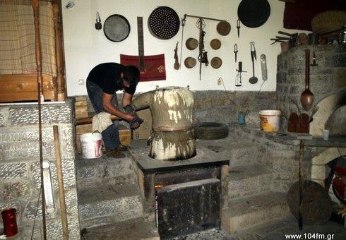 παραδοσιακό ρακοκάζανο