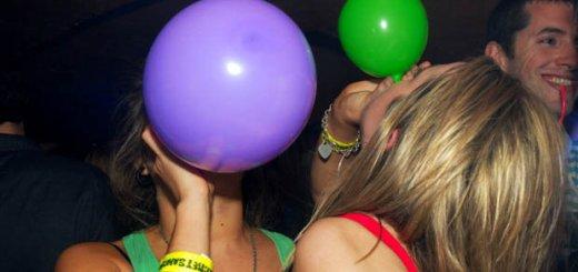 Βρετανίδα – Μπαλόνι γέλιου - Μάλια