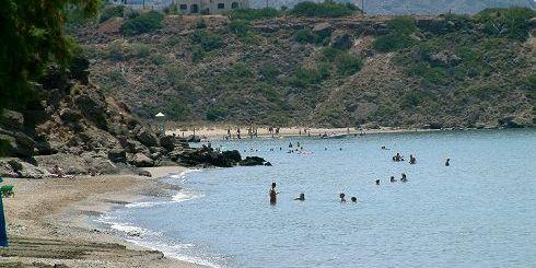 Μακρύ Γιαλός, μια από τις παραλίες