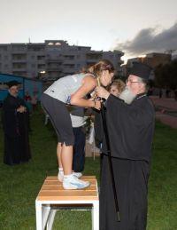Ι' Νεστόρεια: ο Μητροπολίτης Ιεραπύτνης και Σητείας Ευγένιος, απονέμων μετάλλιο
