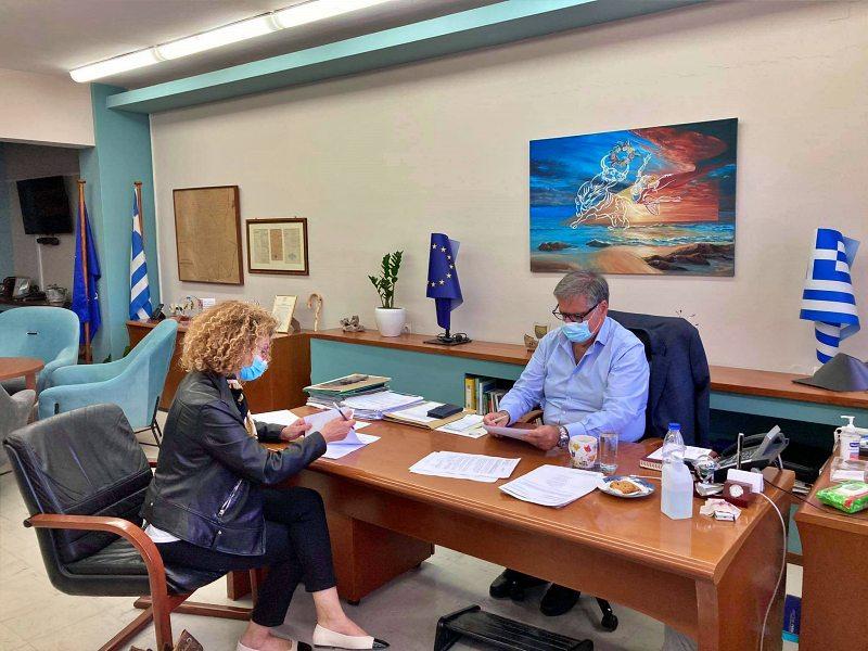 Σύμβαση για την προμήθεια και διενέργεια νέων rapid τεστ υπέγραψε σήμερα ο Δήμαρχος Αγίου Νικολάου