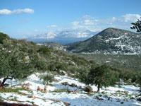 Χιονισμένο τοπίο στο απάνω Μεραμπέλλο