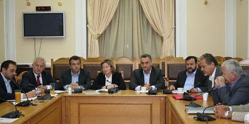 Συνάντηση της νομάρχη Ηρακλείου με τους βουλευτές