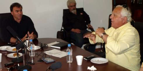 """ο κ. Τσαβαλάς (δεξιά), επιτίθεται στον κ. Καλαντζάκη, αποκαλώντας τον """"κατά λάθος δήμαρχο"""""""