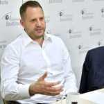 Вперше посадова особа України підписала спільний документ з бойовиками «ЛДНР»