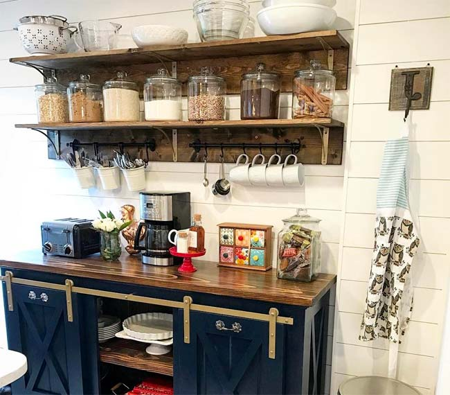 Η γωνία του καφέ στην κουζίνα σας