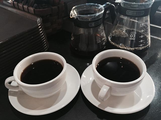 MANUAL DRIP COFFEE MAKER