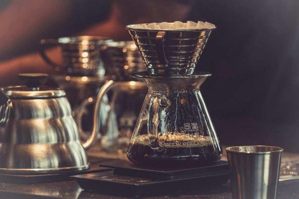 damlatma yöntemiyle kahve demleme