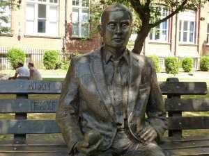 alan turing manchester'daki heykeli