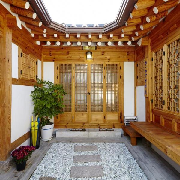 Hanok 24 Guesthouse Gyeongbokgung   Jongno-gu, Seoul