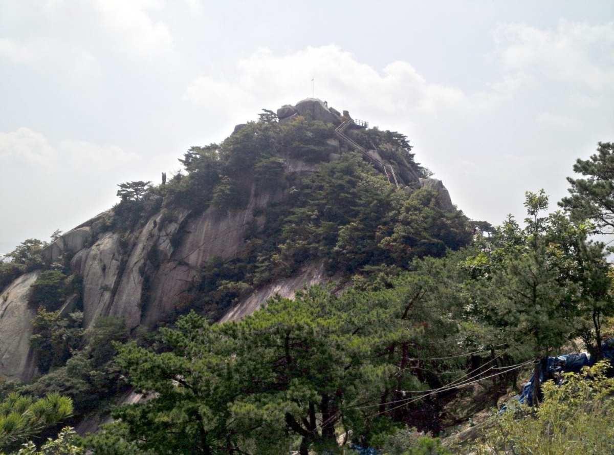 Buram_Mountain_Peak