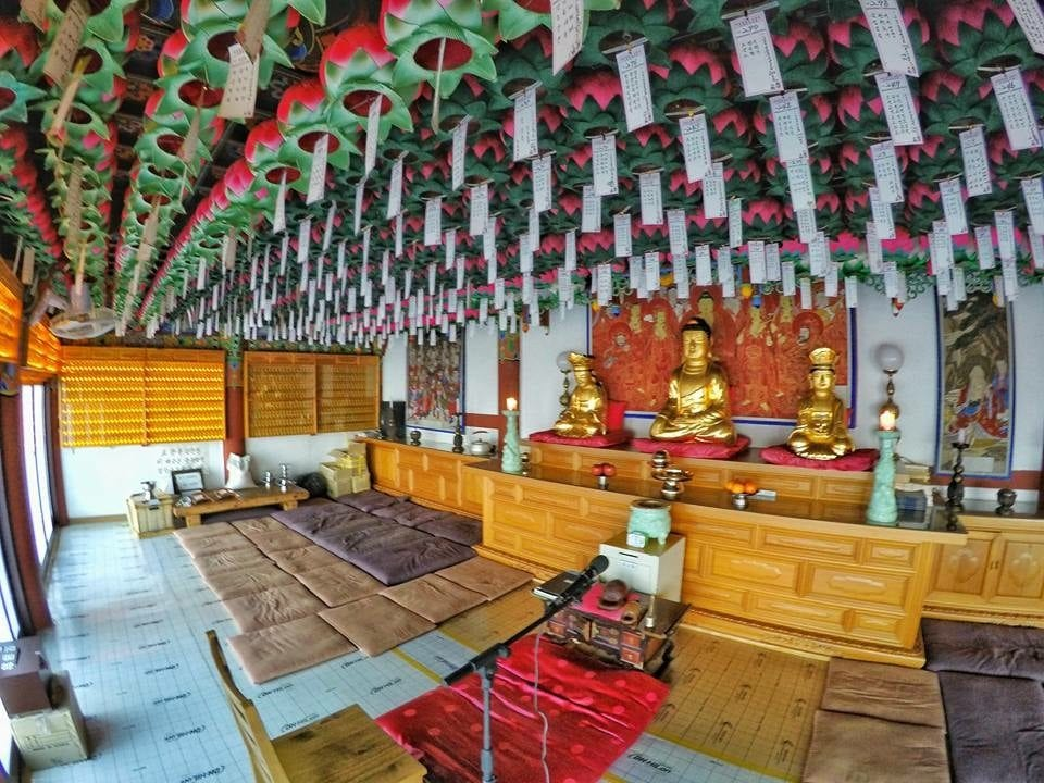 Mount Geumosan, the greatest hike in the heart of Korea Yaksaam temple