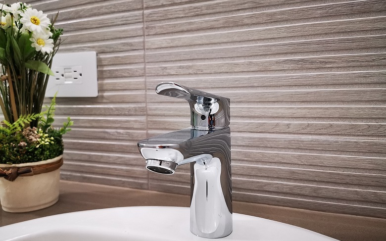 How to Remove Stains from Metal-Plated Taps