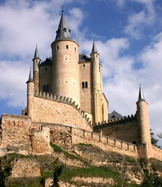 10 Most Beautiful Castles In The World: Alcazar Castle