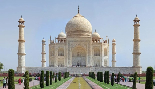 Famous Tombs In The World