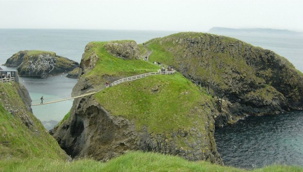 Scariest Rope Bridges In The World: Carrick-a-Rede Rope Bridge, Northern Ireland