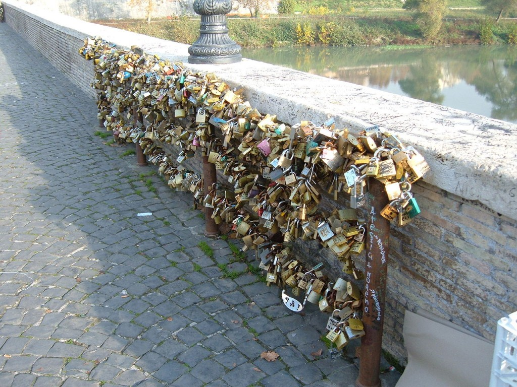 Awesome Love Locks Locations: Ponte Milvio Bridge, Rome