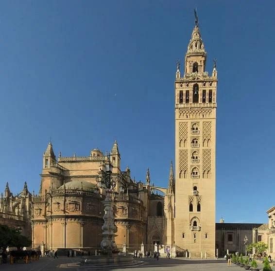 Amazing Bell Towers From Around The World: La Giralda, Seville