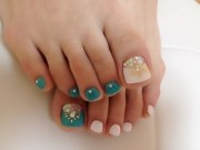 toe nails 10 pretty fingers