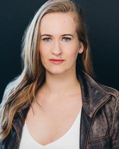 10 Talent | Caroline Sawyer