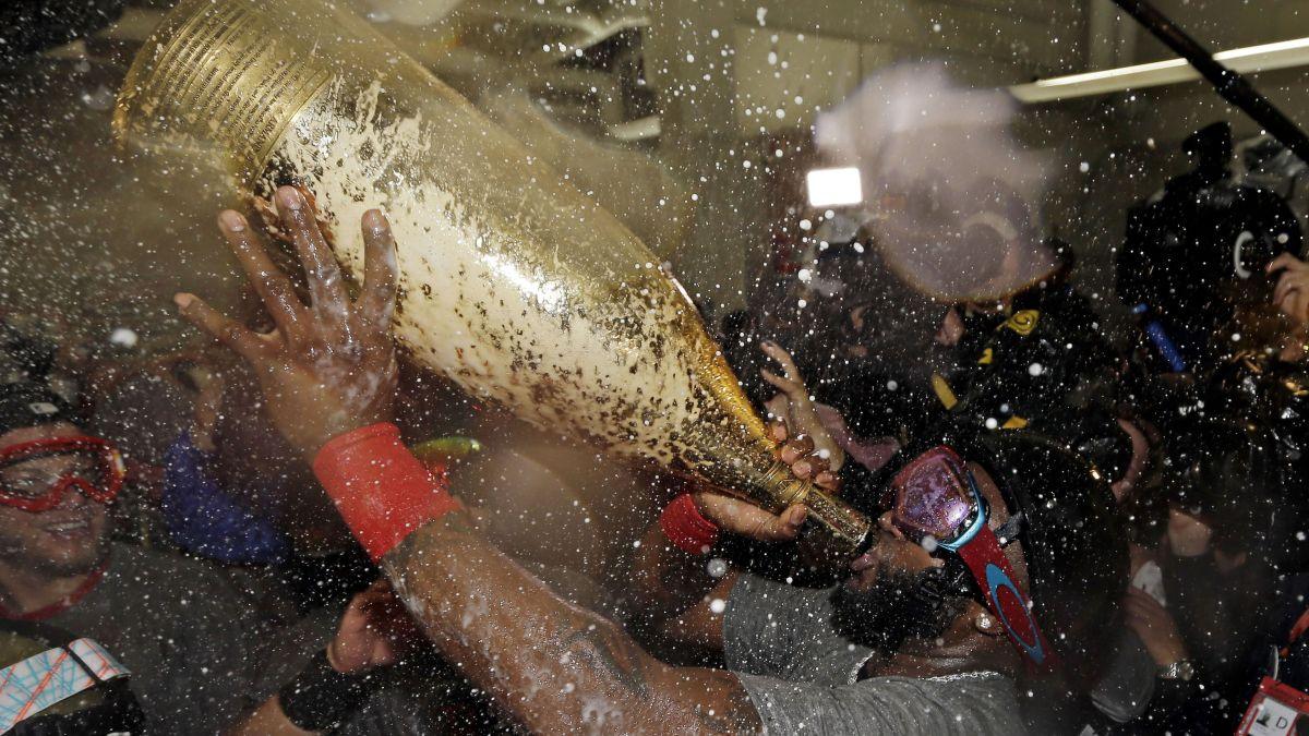 david-ortiz-champagne-1