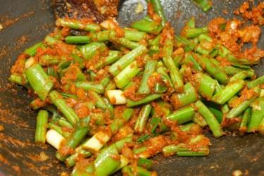 Gele curry met groene groente 21
