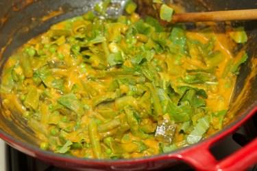 Gele curry met groene groente 31