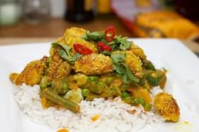 Gele curry met groene groente 41